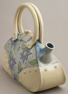 """Tea Bag"" - large floral It is so cool how it looks like a bag but is a tea pot."