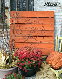 Fall Pallet with an Always Give Thanks stencil | Jennifer Allwood Home | Rustic painted pallet in orange with a fall mums and pumpkins on the porch. #falldecor #pumpkins Pallet Painting, Pallet Art, Diy Pallet Projects, Diy Painting, Pallet Ideas, Pallet Crafts, Fall Projects, Pallet Signs, Wood Signs