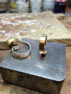 Mooie reparatie. Zilver vervangen voor goud.