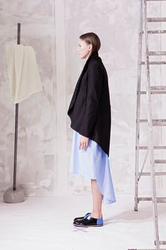 Sako zavinovací, s páskem. – MOLO7 Blazers, Ballet Skirt, Skirts, Fashion, Moda, Tutu, Fashion Styles, Blazer, Skirt