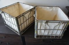 Vintage Metal Milk Crates Set with Canvas Liner – Eartha&Eerin Dog Crate Tray, Crate Bench, Wire Crate, Crate Seats, Crate Bookcase, Crate Shelves, Crate Storage, Metal Milk Crates, Plastic Dog Crates