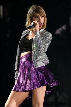Sparkles and Metallics for Her '1989 Tour' - Style Crush: Taylor Swift's Red Carpet Glamour - Photos