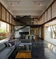 eco friendly house architecture Stylish eco-friendly home in harmony with nature Stone Interior, Home Interior Design, Interior Architecture, Home Hall Design, Indian Architecture, Futuristic Architecture, Casas Containers, Eco Friendly House, House In The Woods