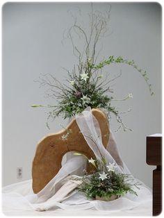 Church Aisle Decorations, Flower Decorations, Pew Flowers, Wedding Flowers, Harry Wedding, Our Wedding, Wedding Church Aisle, Wedding Rentals, Kirchen