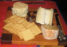 Fruit and Cheese Platters, How To Make A Fruit and Cheese Platter, Cheese Platter Suggestions, Cheese Boards, Wine and Cheese, Cheese Platters