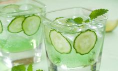 Detox your body with 3 revitalizing Cucumber Water recipes.We all know intake of cucumber has some amazing effects on our body but what we don't is that Cucumber Vodka, Cucumber Water, Lemon Water, Cucumber Cocktail, Vodka Cocktail, Detox Drinks, Fun Drinks, Healthy Drinks, Summer Drinks