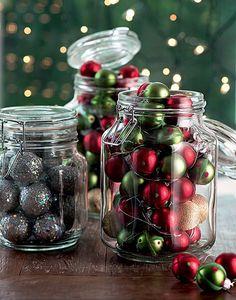 Arranjo natalino a jato: use potes de conserva para acomodar bolas (Decoração de Natal | Christmas decor)