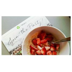 A 2 day Cleanse means clean eating!🍓 So Coach's Oats whole grain oatmeal and fresh strawberries for breakfast!😋 #droppingpounds • • • #yummy #cleanse #itworkscleanse #detox #eatclean #allnatural #wholegrain #coachsoats #oatmeal #strawberry #itworks #jontheparty #extraincome #thegoodlife #healthandwealth #wrapstarb #thegoodlife #humpday #wednesday #blessed #happy #fitmom #fitness #bodygoals #gainz #healthy