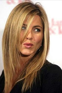 Jennifer Aniston… - All For Hair Cutes Jennifer Aniston Style, Jennifer Aniston Haircut, Jennifer Aniston Pictures, Beauté Blonde, Brown Blonde Hair, Caramel Blonde, Jennifer Aninston, Rides Front, Corte Y Color
