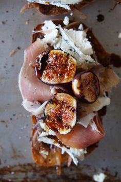 Grilled fig tartines