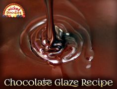 Recipe, design ideas and and instructions on how to make shiny and smooth poured chocolate glaze for decorating and enrobing cakes Chocolate Glaze Recipes, Flourless Chocolate Cakes, Homemade Chocolate, Chocolate Ganache, Chocolate Work, Chocolate Chips, Cake Baking Pans, Cake Writing, Writing Tips