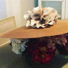 #pamela preparada #invitadaperfecta #bodas de este #sabado #cogetusombreroypontelo #vamosdeboda #invitada #flores 🎩🌺🎩🌺👰🏻#felizlunes