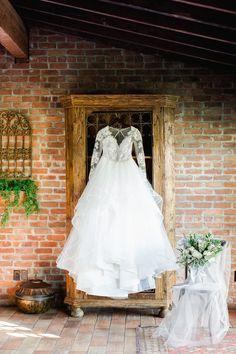 900f9266a033 Haley Paige gown at Casa Feliz wedding venue, Winter Park Florida. Tickled  Pink Weddings
