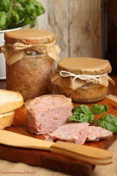 Polish Pork Meat Spread é Mielonka w słoiku Meat Sandwich, Czech Recipes, Polish Recipes, Appetisers, Canning Recipes, Food Design, Finger Foods, Food To Make, Food And Drink