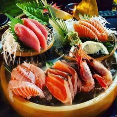 regram @mrderektan #sashimi #platter  #sake #salmon #aburi #toro #shrimps #tuna #chutoro #bkk #bangkok #thailand by jhpargut