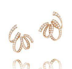 Boucles d'oreilles Ruban d'Alexandre Reza en or rose et diamants