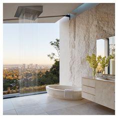 This bathroom is spectacular! Decor Interior Design, Interior Design Living Room, Room Interior, Home Decor Bedroom, Living Room Decor, House Inside, Home Fashion, Decoration, Interior Architecture