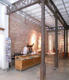 Interior Kmaleon Shop II. #shop #art #barcelona