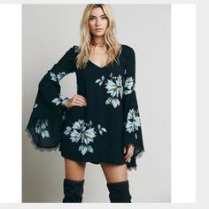 Freepeople dress flare sleeve Like a new Free People Dresses