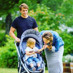 #abcdesign #thinkbaby #salsa #abcdesign_salsa #happy #family #little #littleone #littlegirl #familylove #happyfamily #style #styledesign #abcdesign_style #stroller #happystroll #pram #pushchair #kinderwagen #outandabout #babyontour #babygirl #cute #photooftheday #instababy #instagood