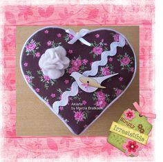 Caixinha coração floral marrom