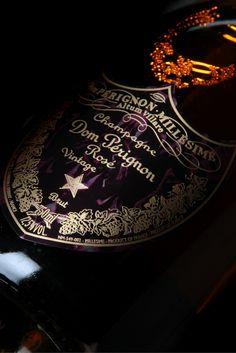 DOM PERIGNON - CHAMPAGNE VINTAGE EDITION LIMITEE BY IRIS VAN HERPEN 2004 : Cuvée…