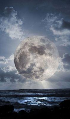 満月と海のiPhone壁紙 | 壁紙キングダム スマホ版