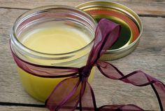 DIY Foot Balm on http://www.elanaspantry.com DIY Foot Balmprinter friendly ¼ cup shea butter 2 tablespoons coconut flour coconut oil 2 tablespoons olive oil ½ ounce piece of beeswax, grated 10 drops essential oil of vanilla 10 drops essential oil of peppermint Combine all ingredients in a saucepan over very low heat, stir until melted