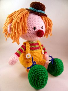 Casimier the Clown amigurumi crochet pattern by Pii_Chii  $$