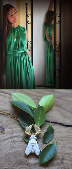 Y-hybrid necklace in brass and ceramic as a classic golden-white color combination. A majestic touch perfect for a party :-) ---- Collar Y-hybrid en latón y cerámica con el clásico dorado-blanco. Un toque majestuoso perfecto para una fiesta :-) -----#hybrid #silvester #party #xmas #christmas #gift #fly #moose #necklace #hibrido #nochevieja #navidad #regalo #fiesta #mosca #alce #collar