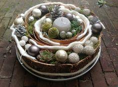 Christmas Trends, Nordic Christmas, Christmas Mood, Christmas Design, Christmas Inspiration, Christmas Wreaths, Christmas Crafts, Christmas Ornaments, Christmas Arrangements