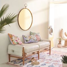 When the sun touches every corner of a room ☀️ Pretty rugs and bright cushions make the perfect living room accessory.