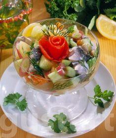 Lajos Mari konyhája - Almás-zöldséges  heringsaláta Tortellini, Cook Books, Meals, Chicken, Cooking, Recipes, Food, Kitchen, Meal