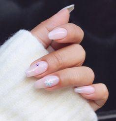 "UNISTELLA TREND NAIL /유니스텔라_네일 on Instagram: ""❄️☃️❄️ #minimal #winternails . . #unistella #nails #design #유니스텔라 #네일 #디자인 #겨울네일"" Diy Manicure, Nails, Beauty, Finger Nails, Ongles, Beauty Illustration, Nail, Nail Manicure"