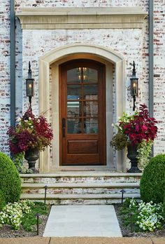 Front door entrances white brick lighting love home decor entrance doors castle house entryway pictures . Design Living Room, Design Bedroom, The Doors, Castle House, Front Entrances, Design Case, Exterior Design, Exterior Paint, Exterior Windows
