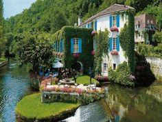 Riverside, Brantome, France    photo via tizo