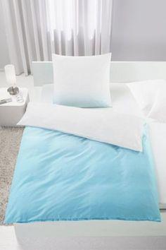 Bettwäsche aus 100% Baumwollsatin in der Farbe Türkis. B/L: ca. 135/200cm und 80/80cm.