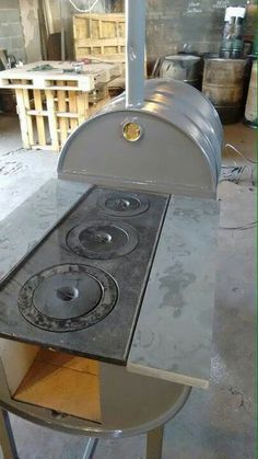 rocket stove and grill Bbq Grill, Grilling, Parrilla Exterior, Outdoor Stove, Stove Oven, Rocket Stoves, Kitchen On A Budget, Kitchen Ideas, Wood Burner