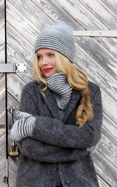 Novita Oy gray mittens gray winter scarf grey sweater it's grey everywhere Fall Winter Outfits, Winter Wear, Autumn Winter Fashion, Autumn Fall, Slouchy Beanie Hats, Knitted Gloves, Crochet Fashion, Love Fashion, Necklaces