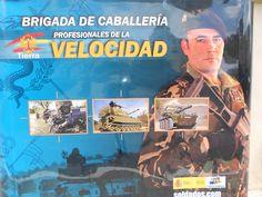 """La Brigada de Caballería releva a la Mecanizada XI en Besmayah. El Jefe de la División 101 """"Airborne"""" destaca el gran resultado en combate de las unidades adiestradas por los españoles.  Durante la…""""Las unidades irakies entrenadas por los españoles no han retrocedido ni un pie"""" https://segurpricat.org/2016/07/08/las-unidades-entrenadas-por-los-espanoles-no-han-retrocedido-ni-un-pie/ vía @careonsafety #DAESH #Besmayah"""