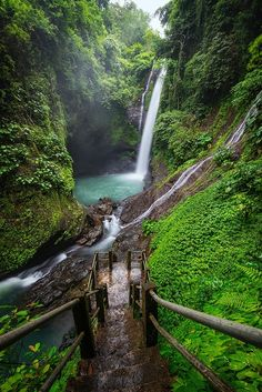Aling-aling waterfalls Bali - )
