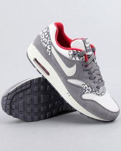 DrJays.com - Detailed Images of Wmns Air Max 1 Sneakers by Nike