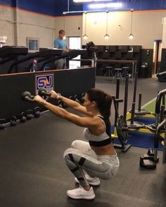 FriYay KBS 1. 12 each side 2. 15 each side 3. 15 Reps 4. 12 reps each side 3-5 rounds #alexiaclark #queenofworkouts #fitforareason…