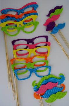 Photo Booth Party Props. Such a fun idea for all guests! Festa Infantil