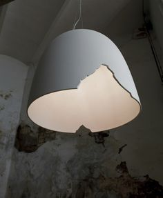 White-paste pendant lamp CRASH by Karman | design Matteo Ugolini @karmansrl