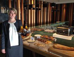 Lucie, notre responsable petit déjeuner, vous accueille avec le sourire pour bien démarrer la journée ! #petitdejeuner #hoteldeluxe