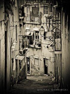 Lizbona by Michał Murawski  Macie zdjęcia z Portugalii? Pokażcie ją innymi widzianą Waszymi oczami. Przesyłajcie linki do Waszych galerii lub zdjęcia na info@infolizbona.pl lub przez wiadomości prywatne. #Lizbona #Portugalia