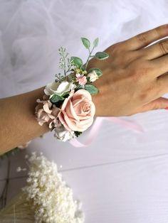 Pale pink wrist corsage, blush bridesmaids corsage, flower bracelet, flower wedding, blush pink wedd