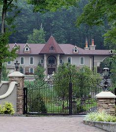 RHONJ TERESA HOUSE | Teresa Giudice of 'Real Housewives of New Jersey' and husband Joe ...