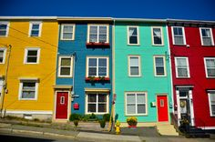 And it should be known that some of those multi-coloured houses form an area of St. John's called JELLY BEAN ROW. Saltbox Houses, Old Houses, Canadian Travel, Unique Buildings, Newfoundland And Labrador, Pictures To Paint, Painting Pictures, Exterior House Colors, Fairy Houses